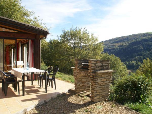 Hotel Pictures: Maison De Vacances - Connac 2, Réquista
