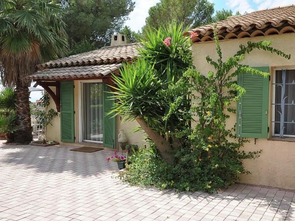 Hotel Pictures: Villa Karibou, Boulouris-sur-Mer