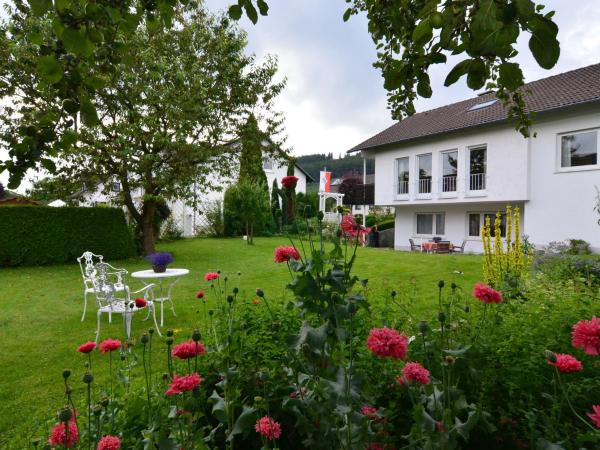 Hotel Pictures: Apartment Eslohe 2, Reiste