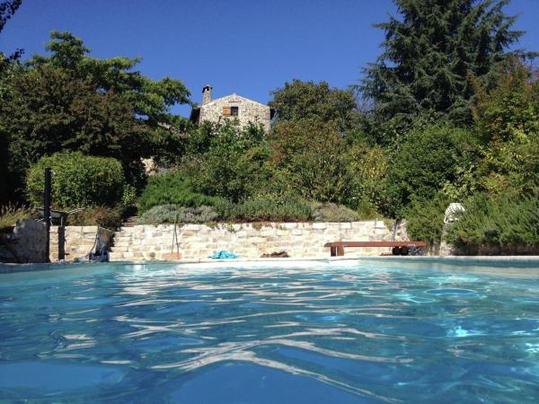 Hotel Pictures: Maison De Vacances - Vesseaux, Saint-Julien-du-Serre