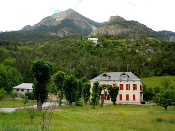 Hotel Pictures: Le Trianon, Jausiers