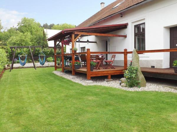 Hotel Pictures: Holiday home Ludvikova, Nasavrky