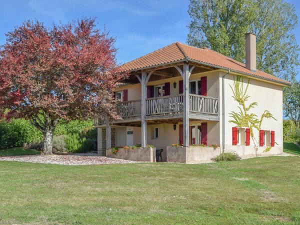 Hotel Pictures: Holiday home Le Pavillon 2, Saint-Médard-d'Excideuil