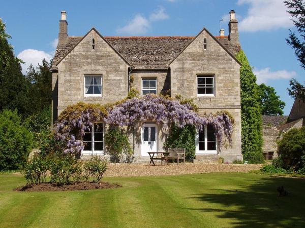 Hotel Pictures: Castle Farm Guest House, Peterborough