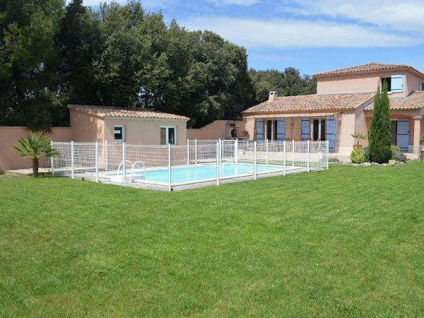 Hotel Pictures: Villa Consulat, Saint-Didier