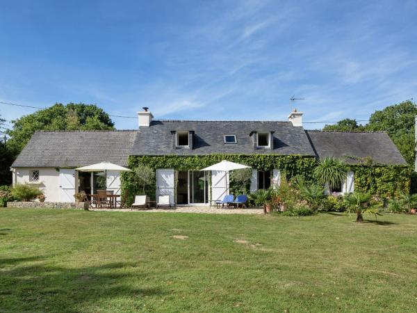 Hotel Pictures: Maison De Vacances - Landévennec, Argol