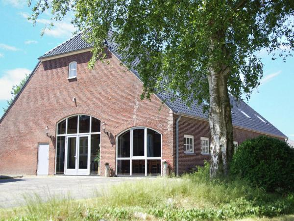 Hotel Pictures: Holiday home The Farm, Den Hout