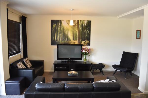 Hotel Pictures: Gebi's Apartments, Falls Creek