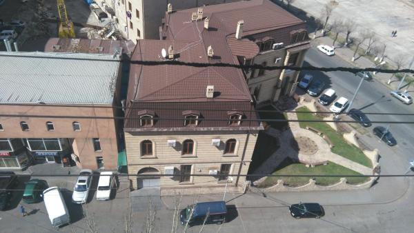Hotellikuvia: Room on Ervand Kochar 7, Jerevan