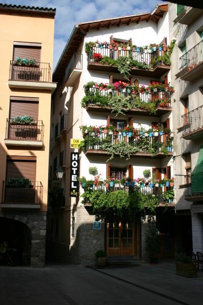 Hotel Pictures: Hotel Can Mestre, El Pont de Suert