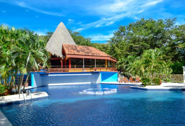 Hotel Pictures: Golden Palms Papagayo, Playa Hermosa