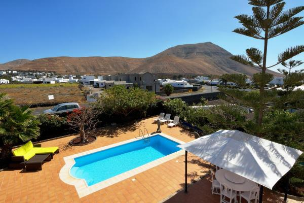 Hotel Pictures: Villa Paradise, Yaiza