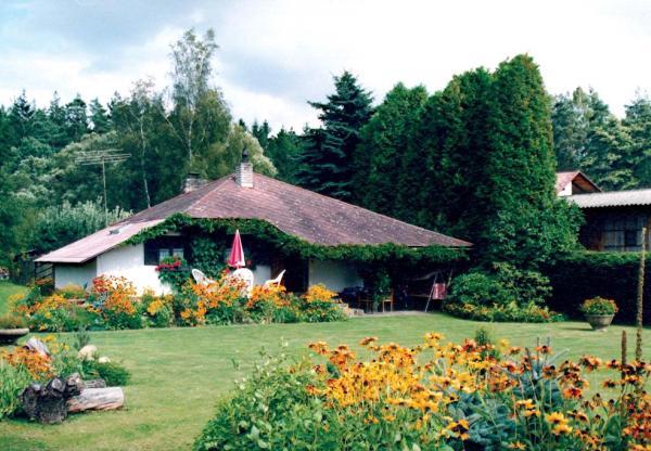 Hotel Pictures: Ferienhaus in Skalice 1, Třebiště