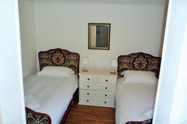 Hotel Pictures: Le Soleil d'Or, Saint-Marc-sur-Seine