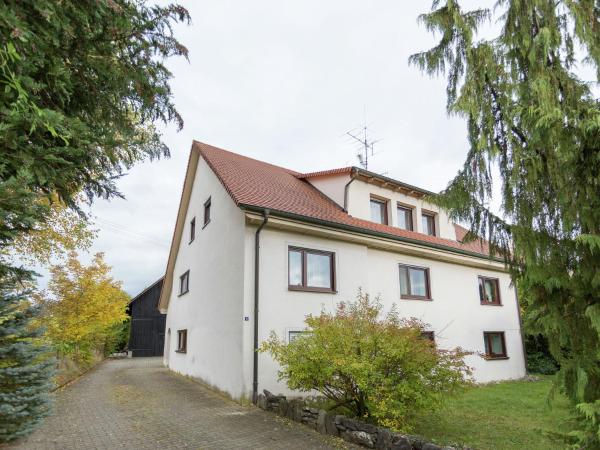 Hotel Pictures: Apartment Hilde 1, Eigeltingen