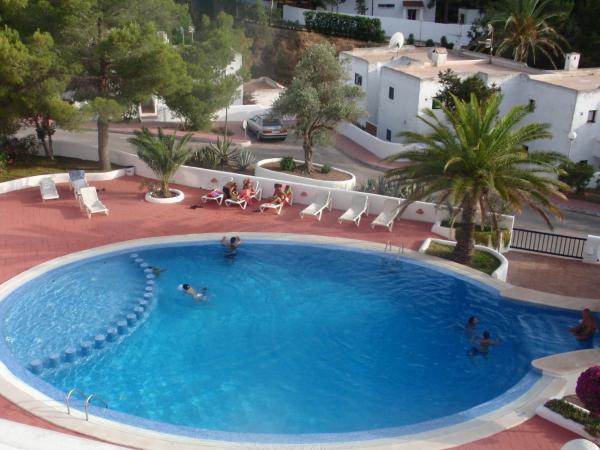 Hotel Pictures: Cala Tarida, Cala Tarida