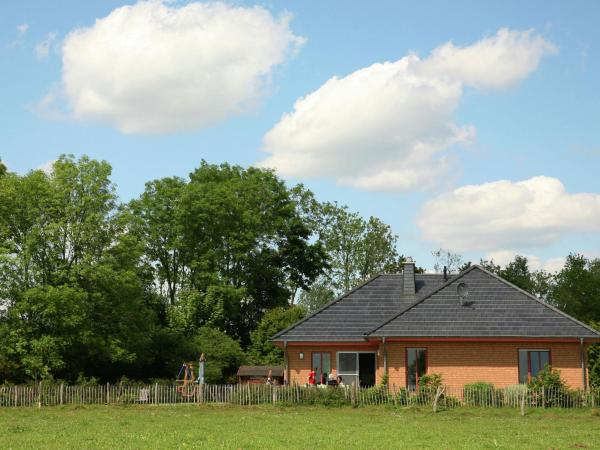 Hotel Pictures: Holiday home Majolire 1, Lambertsberg
