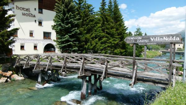 Hotel Pictures: Nolda Apartment, St. Moritz