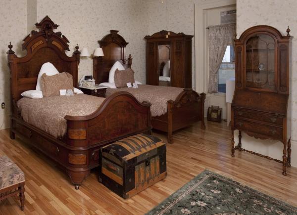 Hotel Pictures: Halifax Waverley Inn, Halifax
