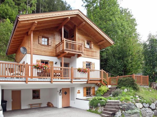 Foto Hotel: Chalet Chalets Im Wald 1, Wald im Pinzgau