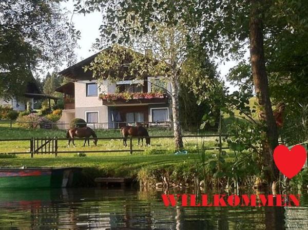 Hotellikuvia: Ferienhaus Sonnhügel - Stissen, Faak am See