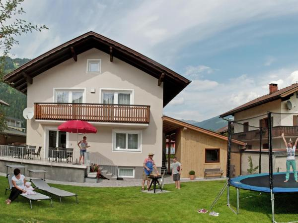 Hotelbilleder: Holiday home Arenablick 1, Zell am Ziller
