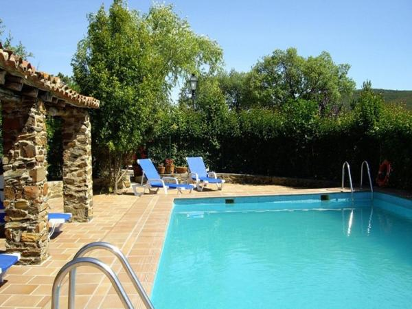 Hotel Pictures: Casa El Jiniebro Grande, La Borrega