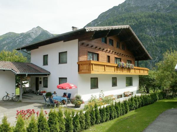 Hotelbilleder: Chalet Selbstversorgerhaus Lumper 2, Holzgau