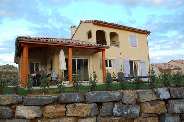 Hotel Pictures: Villa Domaine Les Rives De L Ardeche 2, Vallon-Pont-d'Arc