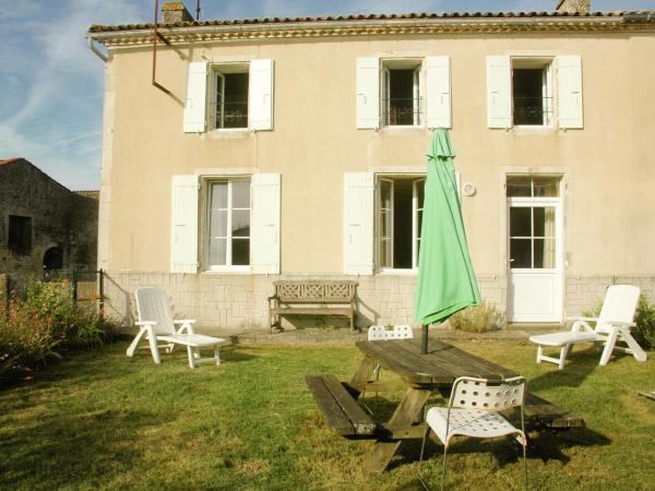 Hotel Pictures: Entre La Rochelle Et Bordeaux Viii, Pisany