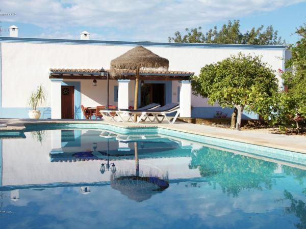 Hotel Pictures: Villa Can Bosque 2, Santa Agnès de Corona