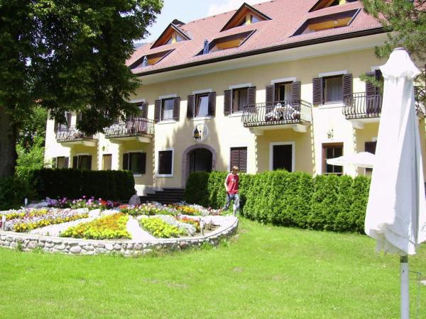 Hotelbilleder: Apartment Das Herrenhaus 2, Dellach im Drautal