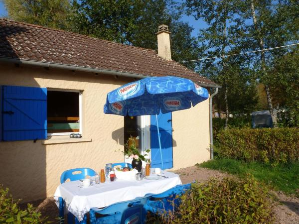 Hotel Pictures: Holiday home Camping Des Bains 1, Saint-Honoré-les-Bains
