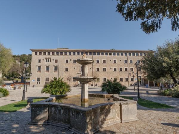 Hotel Pictures: Santuari de Lluc, Lluc