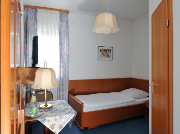 Hotel Pictures: Hotel Grüner Baum, Pommersfelden