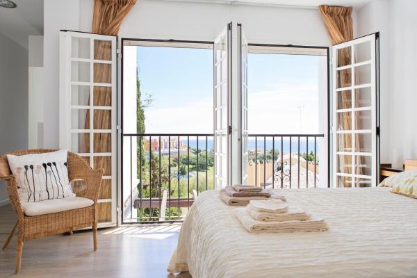 Hotel Pictures: Sun Home Duplex Añoreta, Benagalbón