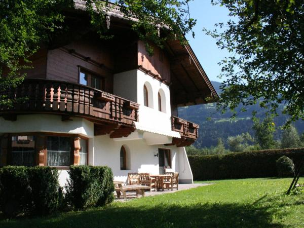 Hotelbilleder: Holiday home Chalet Neuhaus 2, Ried im Zillertal