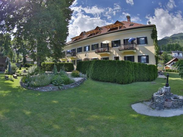 Hotelbilleder: Apartment Das Herrenhaus 5, Dellach im Drautal