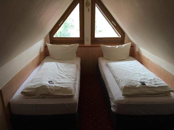 Hotel Pictures: Landgasthof 'Zur Quelle', Wächtersbach