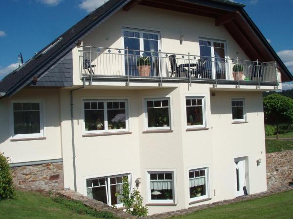 Hotel Pictures: Weingut Justen-Kiebel, Kinheim