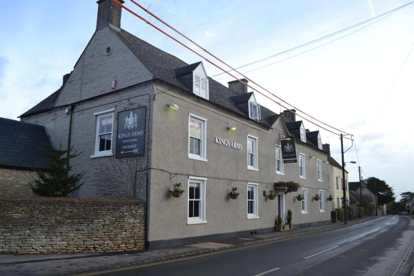 Hotel Pictures: The Kings Arms, Didmarton