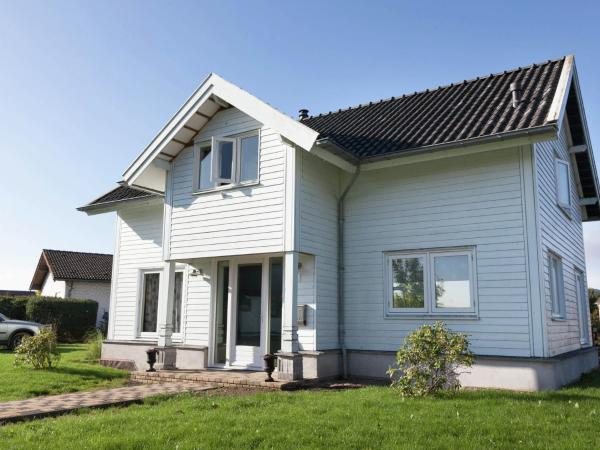 Hotel Pictures: Villa De Zwaluw, Manderscheid