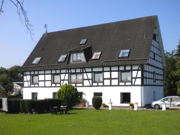 Hotel Pictures: Apartment Ferienwohnung Silbecke 1, Attendorn