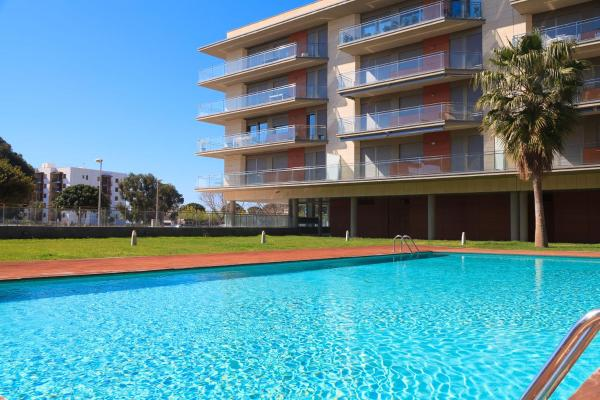 Hotel Pictures: UHC Esquirol Apartments, Cambrils