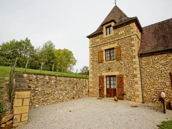 Hotel Pictures: La Tour De Conte, Mauzens-et-Miremont