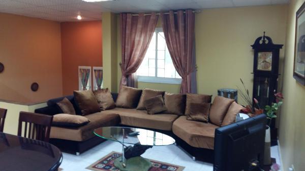 Hotelbilleder: Musafer Holidays - 3 Bedroom Villa, Sharjah