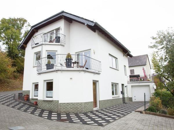 Hotelbilleder: Ferienwohnung Familie Weyers, Ulmen