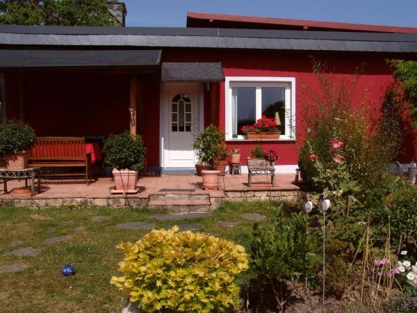 Hotel Pictures: Ferienhaus Rot, Gondershausen