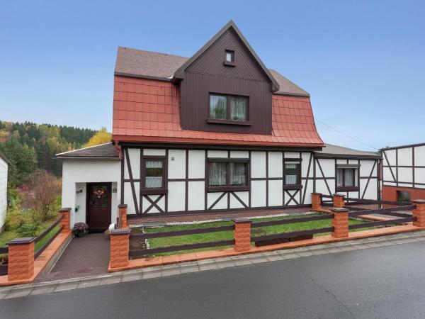 Hotel Pictures: Apartment Ferienwohnung Thüringer Wald 2, Altenfeld