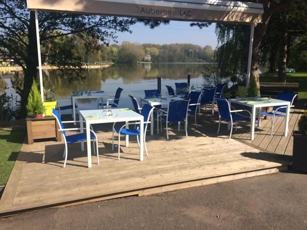 Hotel Pictures: L'Auberge du Lac, Annay